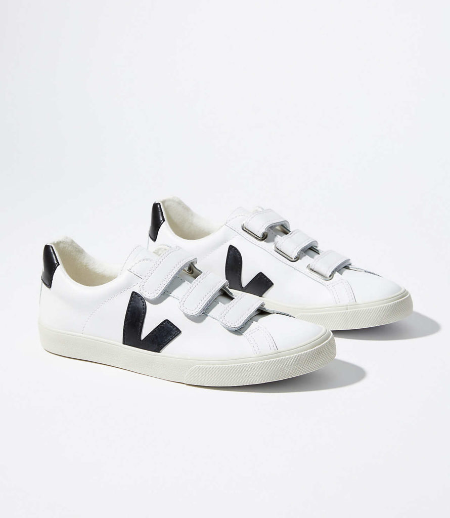 Veja Esplar 3-Lock Extra White Black $135https://fave.co/2ZneQY9
