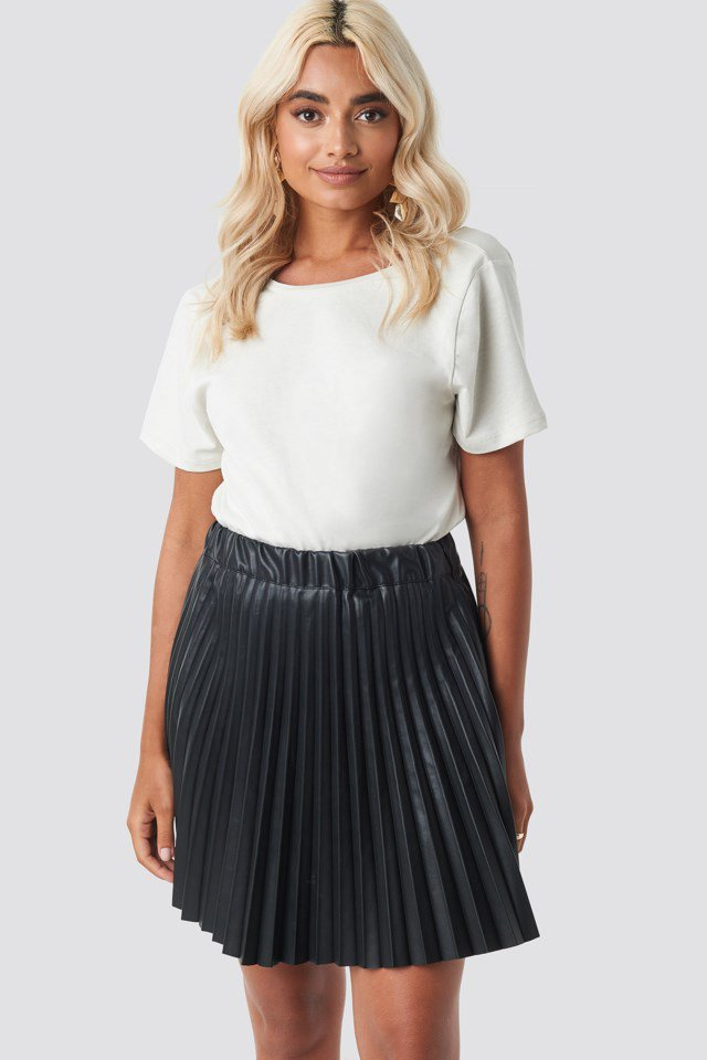 Faux Leather Pleated Mini Skirt Black $37.76