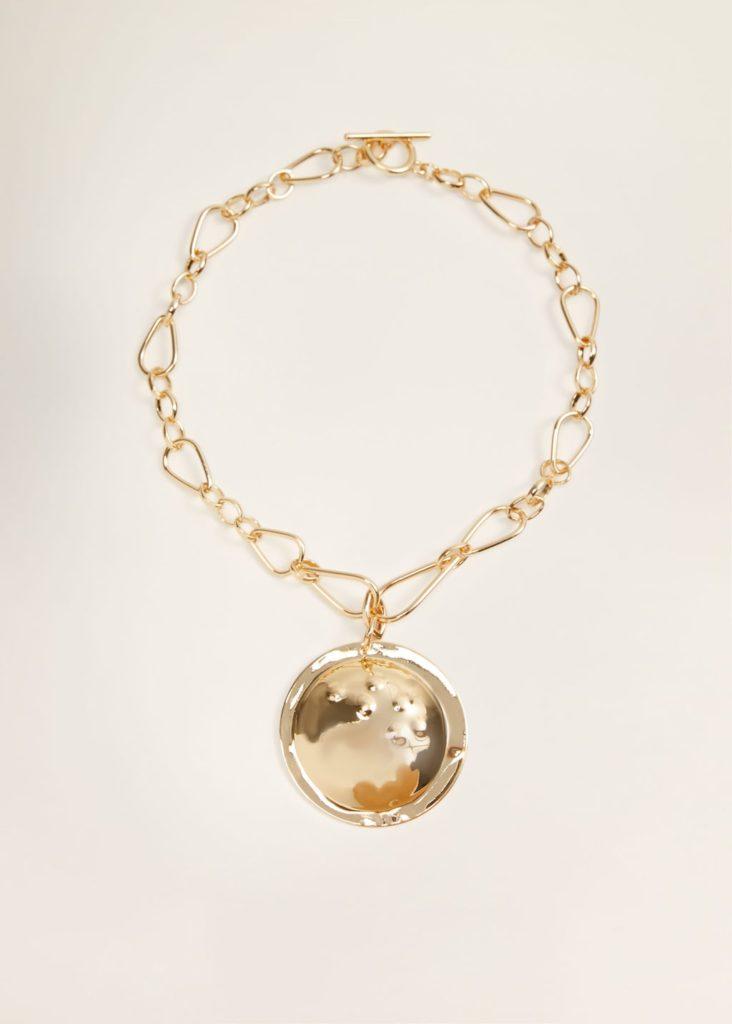 Metal pendant necklace $29.99
