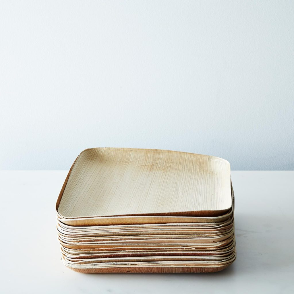 Large Compostable Wooden Plates (Set of 25) $30