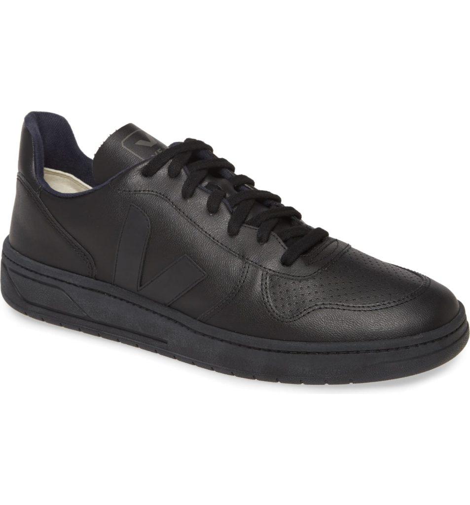 V-10 Sneaker VEJA $150.00