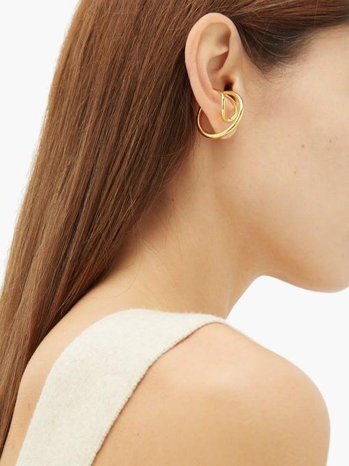 CHARLOTTE CHESNAIS Needle gold-vermeil ear cuff $370