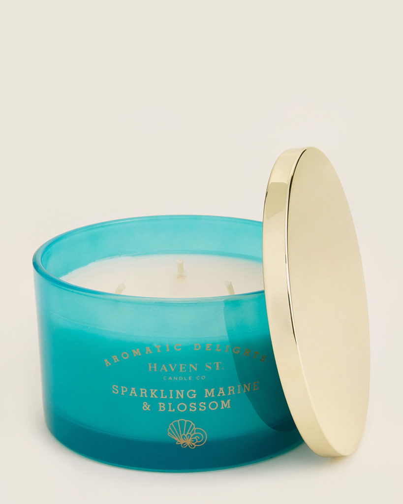 HAVEN STREET Sparkling Marine & Blossom Scented Candle $11.99