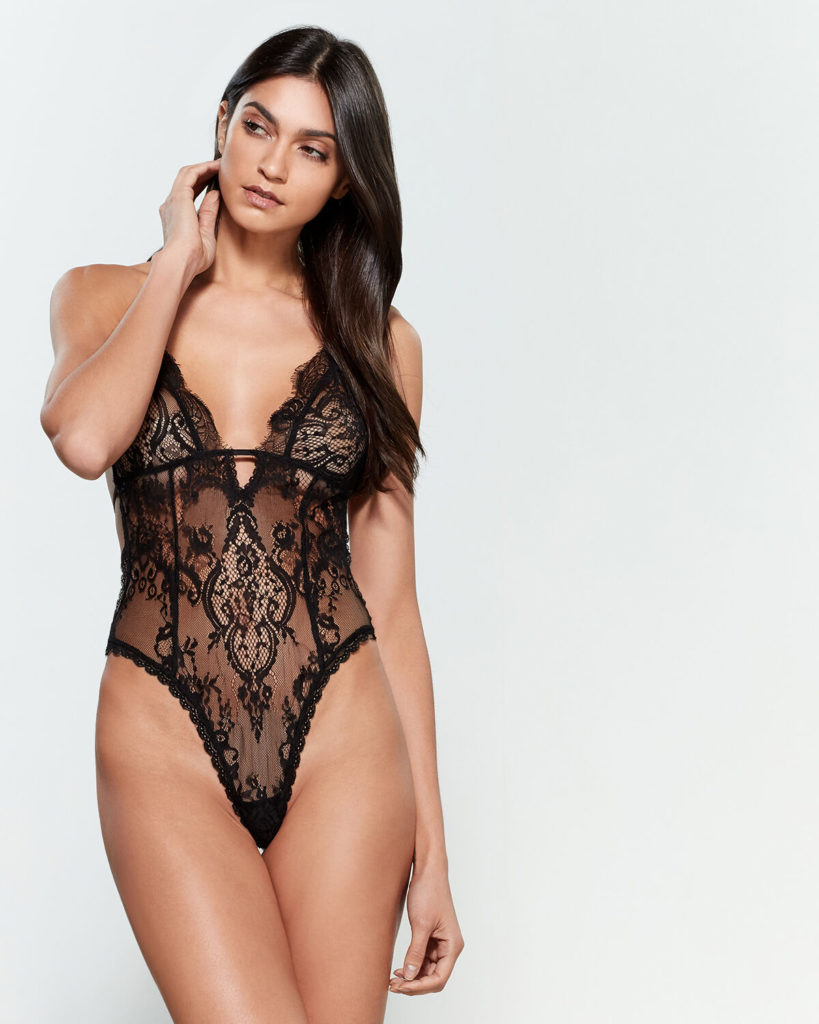 IN BLOOM BY JONQUIL Lace Paisley Cutout Bodysuit $19.99