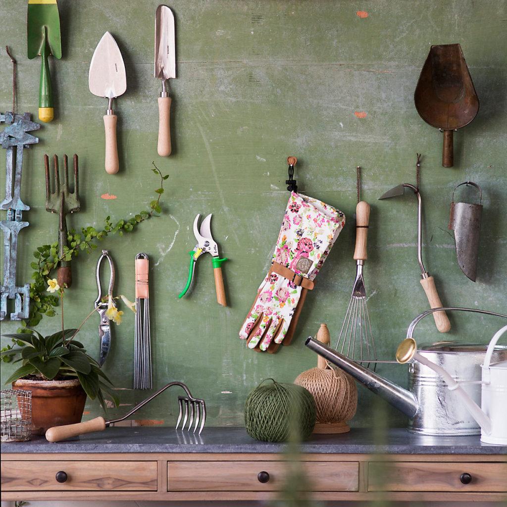 Sneeboer 5-Tine Hand Garden Rake $54.00