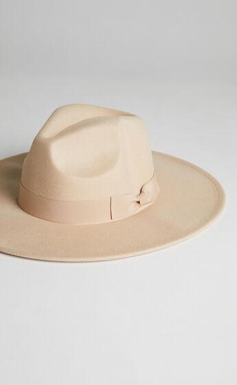 JAZMYNE HAT IN BEIGE $39.95